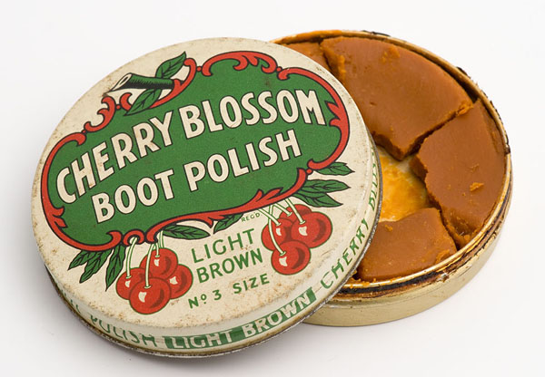 Cherry Blossom light brown boot polish