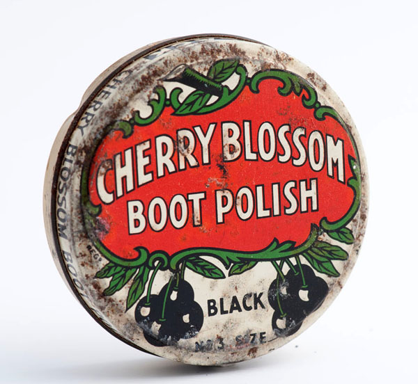 Cherry Blossom black boot polish