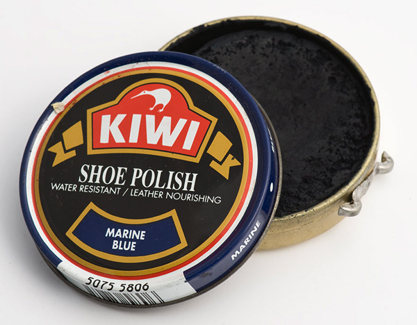 Kiwi marine blue polish