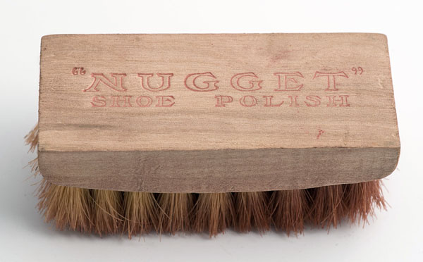 Nugget polish brush