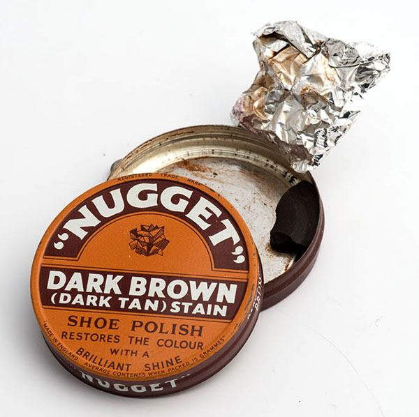 Nugget dark brown shoe polish